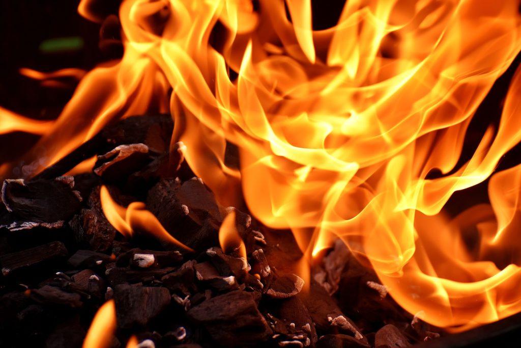 Fuego, Diversamente