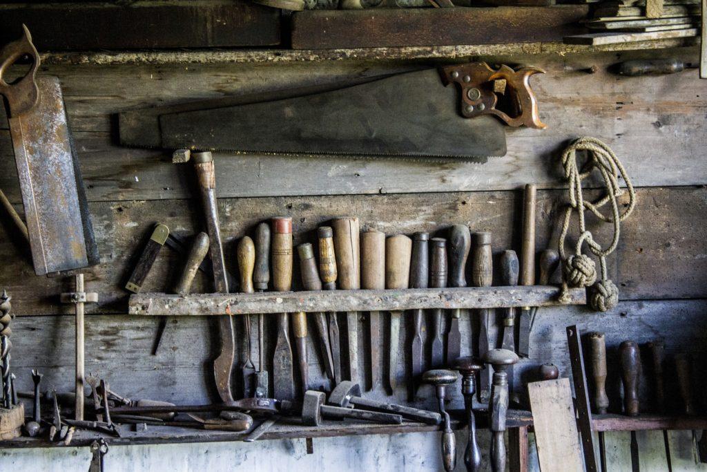 Herramientas de carpintería, Diversamente