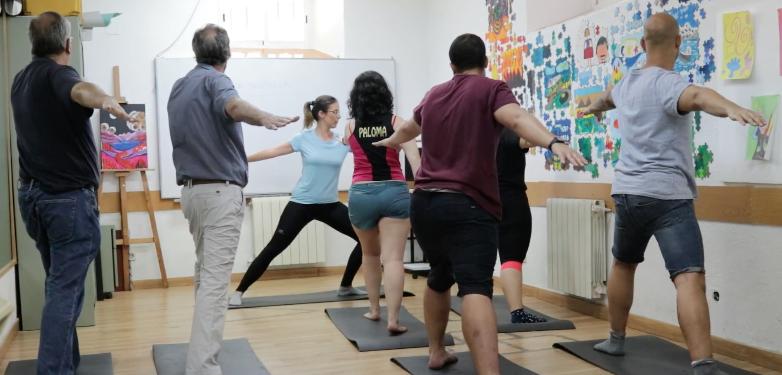 Clase de yoga en Centro de Día