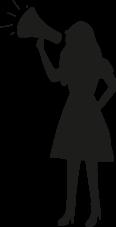 mujer de pie con altavoz
